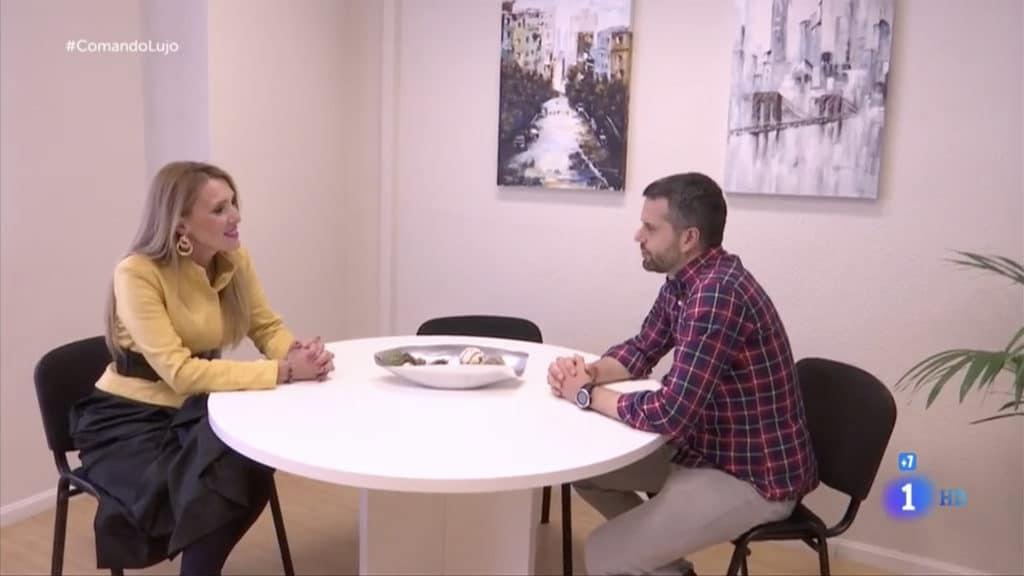 Entrevista de Comando Actualidad a Manuela, cliente de Sociedad Española de Metales Preciosos de Inversión