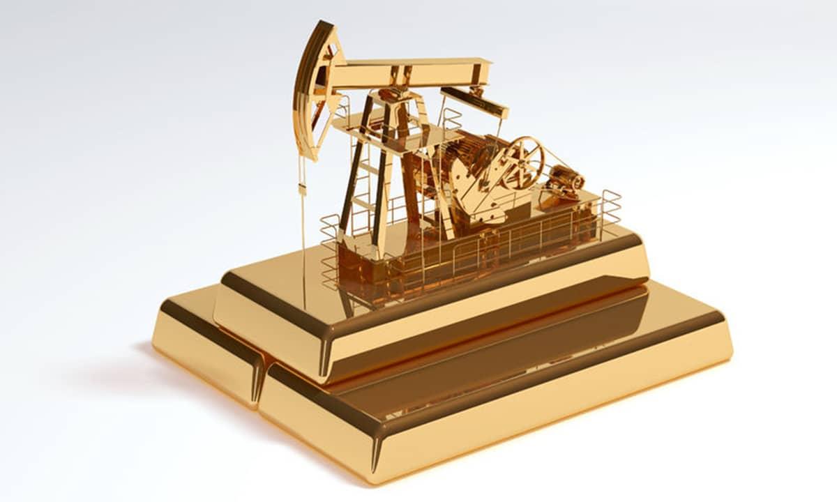 La estrecha relación entre el petróleo y el oro