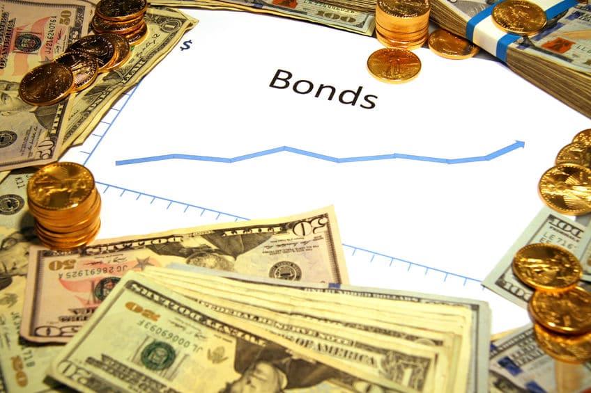 Rendimientos de los bonos del tesoro que influyen en el precio del oro en febrero